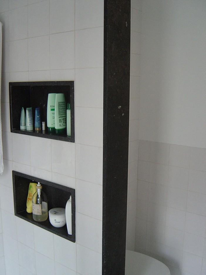 badkamer nis en muurplaat van supreme black - Binnenmaas ...